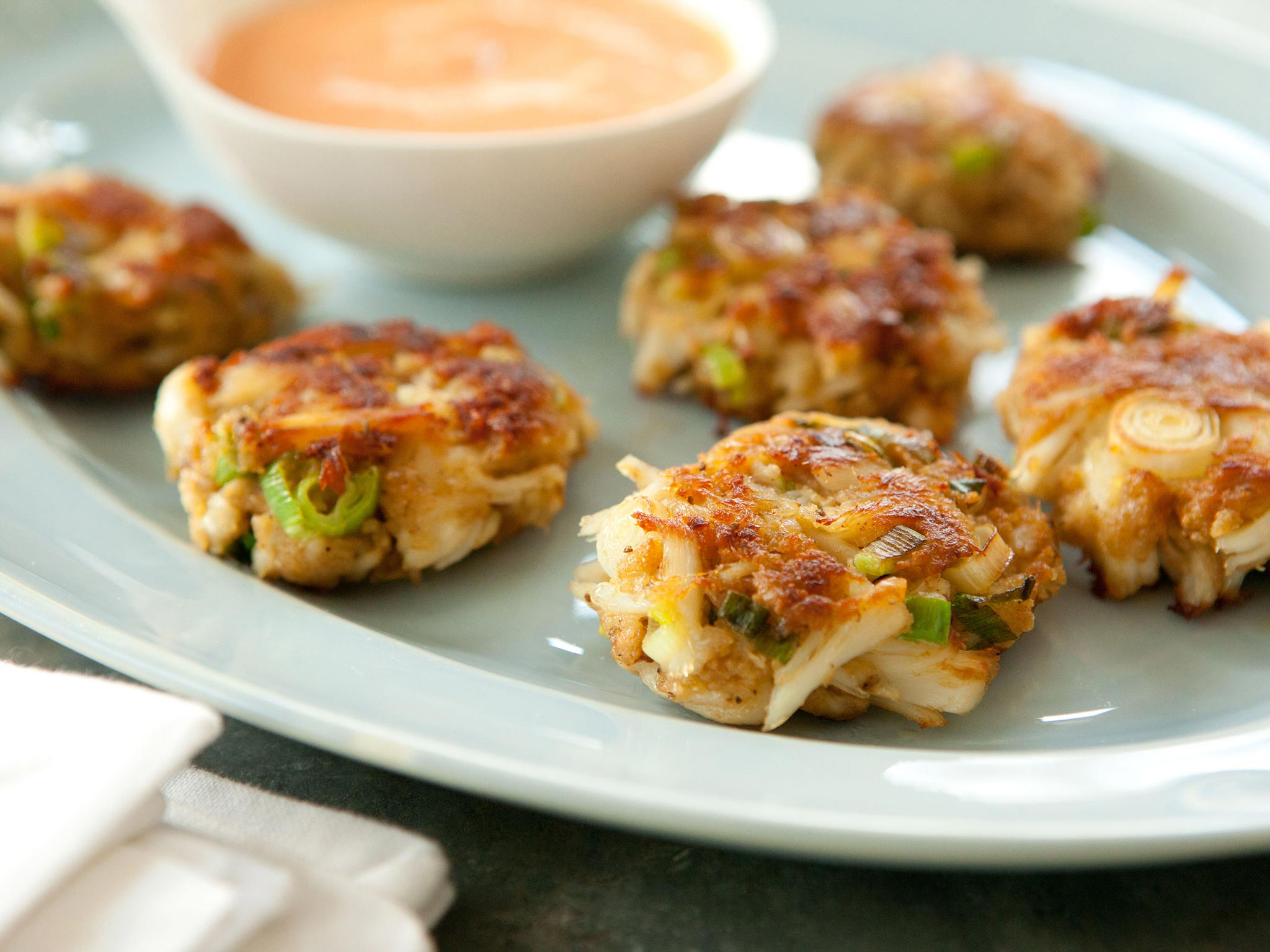 how to reheat crab cakes microwave