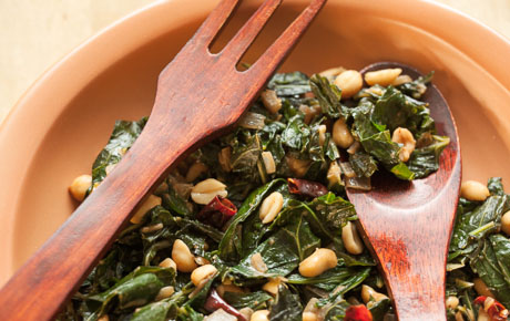 Collard Greens with Roasted Peanuts