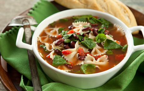 Quick Italian Spinach and Pasta Soup