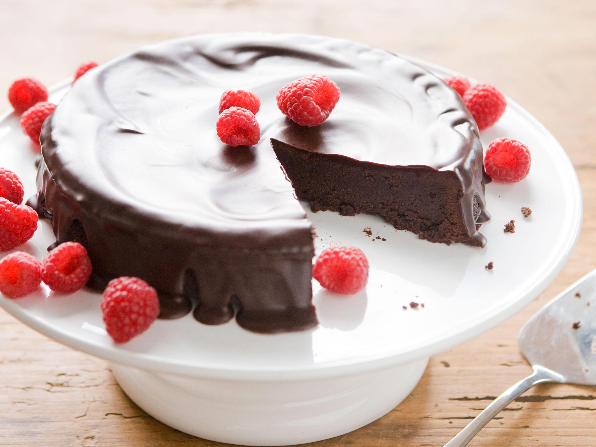 Recipe Flourless Chocolate Cake With Dark Chocolate Glaze Whole Foods Market
