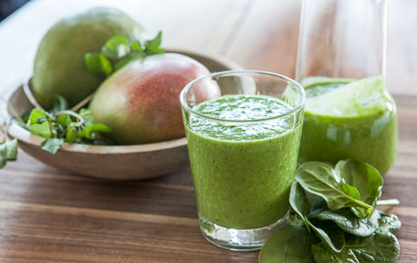 Mango-Mint Green Smoothie